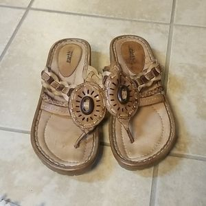Earth sandals sz 9 EUC
